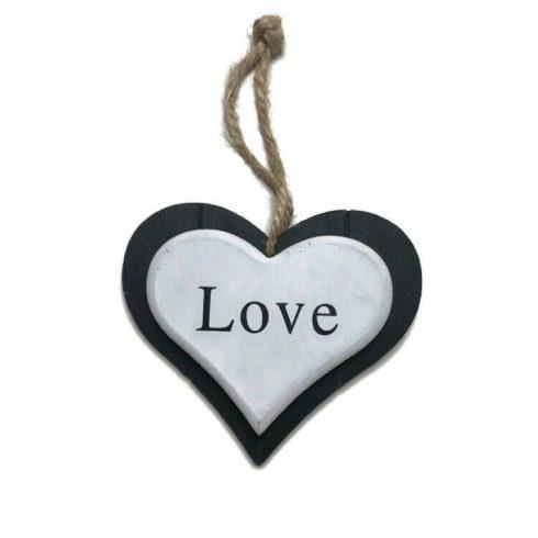Szív LOVE felirattal