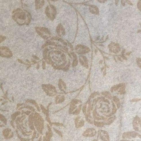 Rózsamintás puha filc anyag  bézs- krém 40x30cm